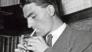 Jacques Lusseyran (1924 -1971) aveugle, il fut un grand resistant en groupant autour de lui des etudiants des classes supérieures des lycees parisiens, il fut deporte a Buchenwald en 1944 --- Jacques Lusseyran (1924 -1971) blind, french resistant who was interned in Buchenwald concentration camp in 1944